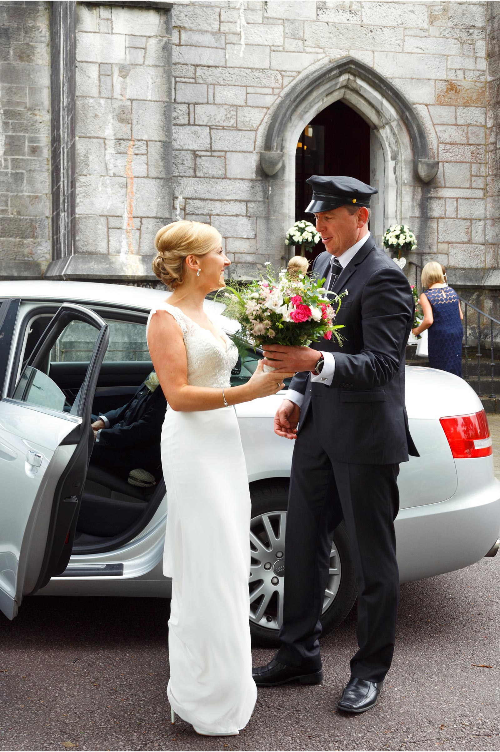 bride arrives at UCC Aula Maxima for wedding