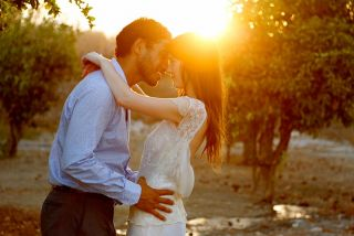sunset kisses - destination wedding photographer Cork