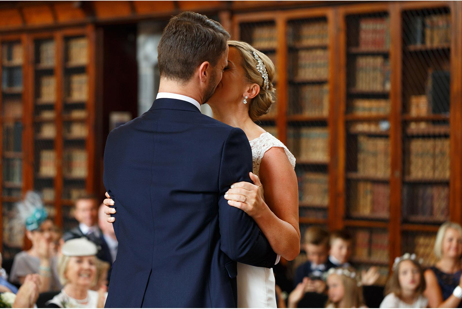just married in UCC Aula Maxima, first kiss, you may kiss the bride