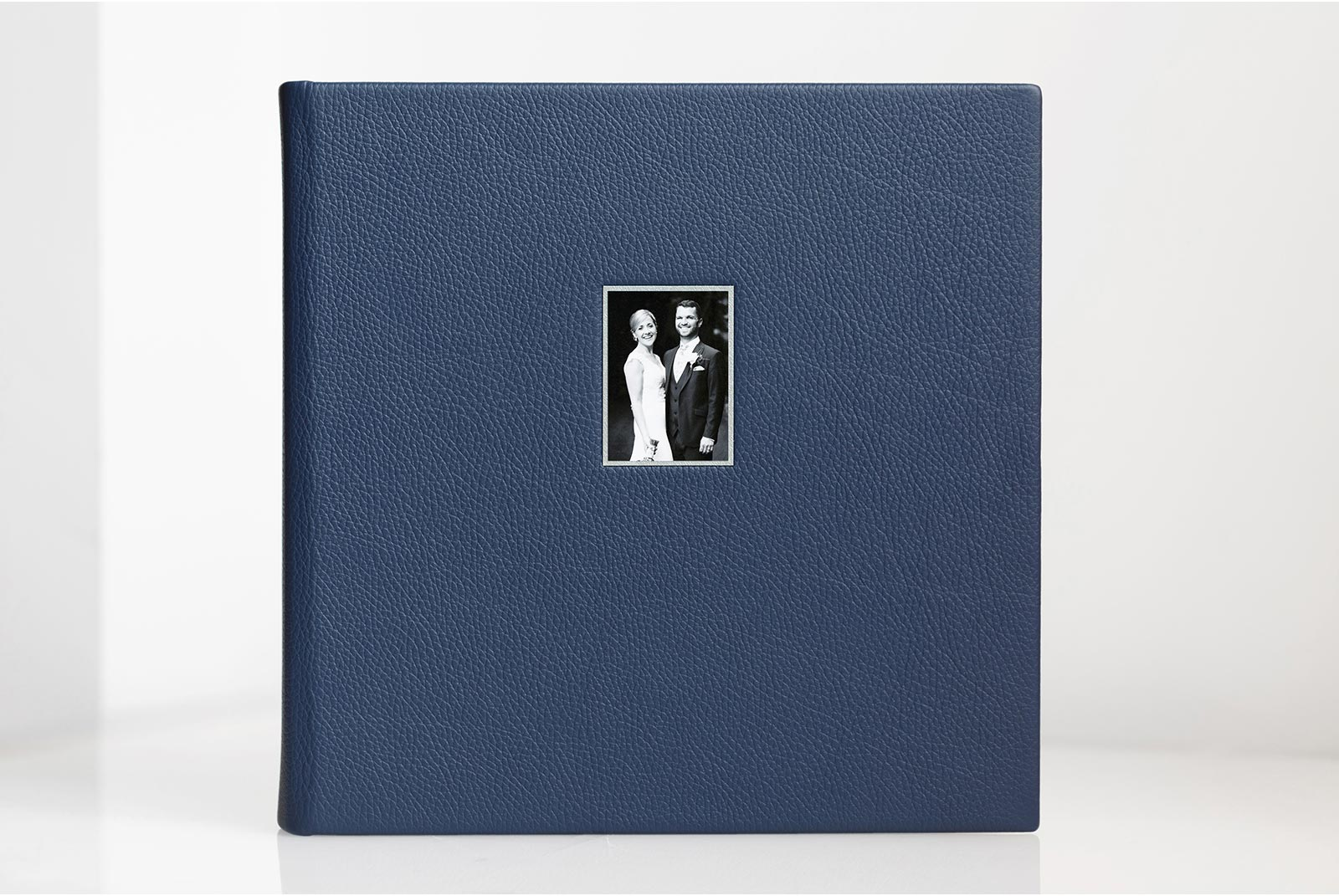 Wedding album with Classic Genuine leather in Royal blue cover