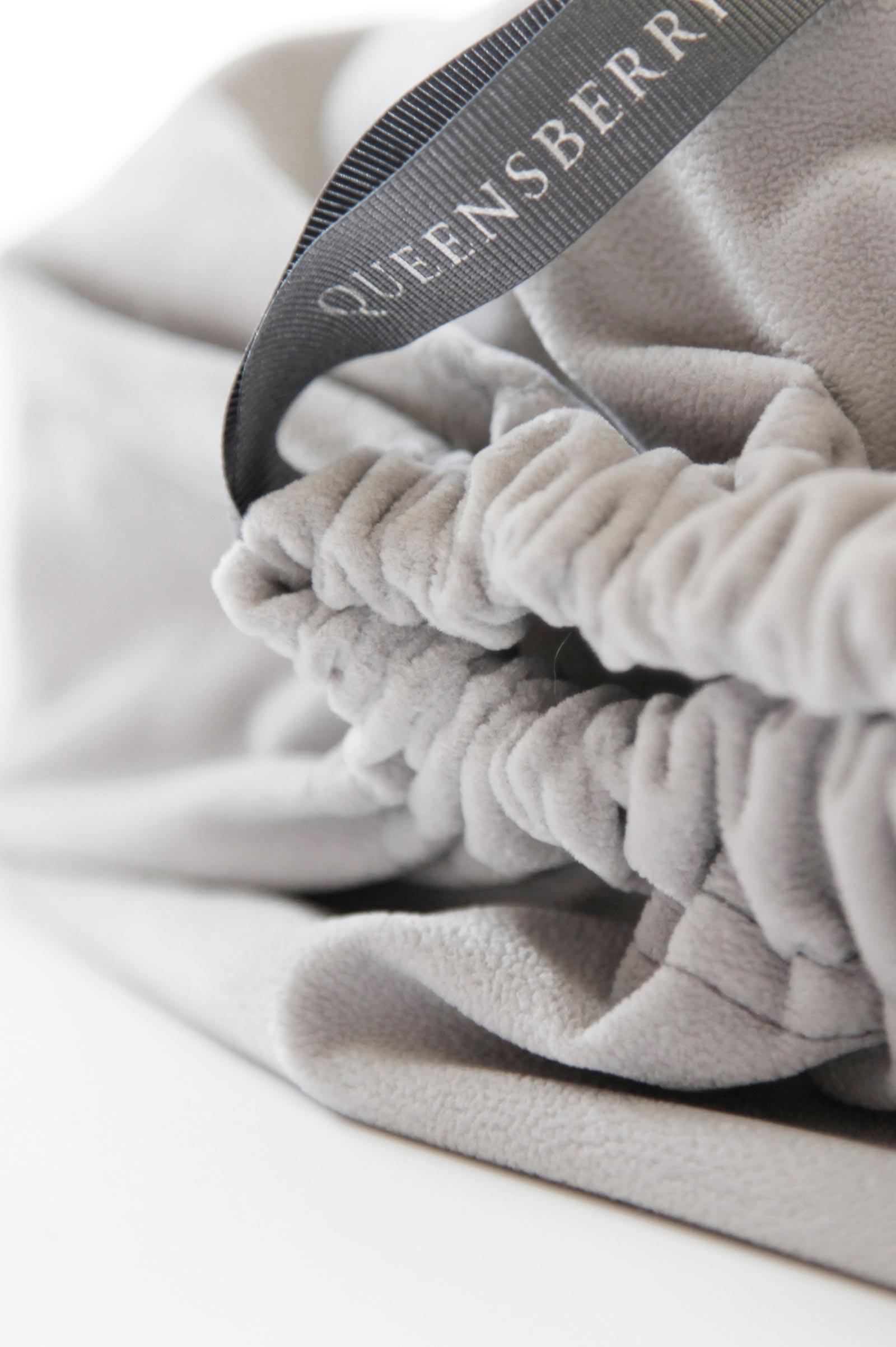 Queesberry wedding album grey velvet bag